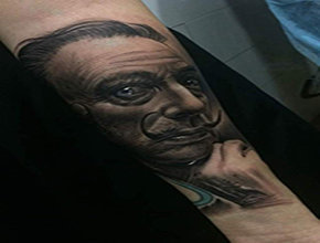 Tatuaje Realismo Dalí